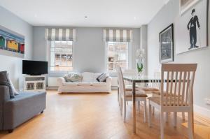 Spacious Modern City Apartment