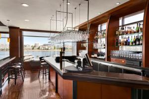 Coast Victoria Hotel & Marina by APA, Hotely  Victoria - big - 39