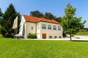 Villa Istenic