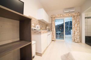 Athena Apartments, Apartments  Agia Galini - big - 15