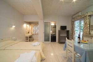 Athena Apartments, Apartments  Agia Galini - big - 16