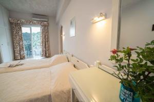 Athena Apartments, Apartments  Agia Galini - big - 23