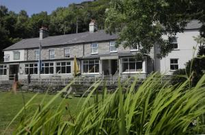 Bryn Tyrch Inn