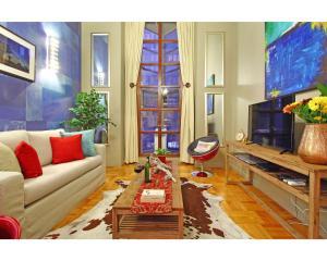 One-Bedroom Loft Apartment - Quiver Tree Loft