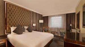 DoubleTree by Hilton Woking