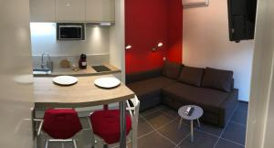The Lodge - Chambéry Centre et Gare, Апартаменты  Шамбери - big - 37