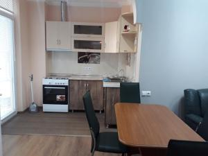 Apartament Pirosmani, Apartmanok  Batumi - big - 3