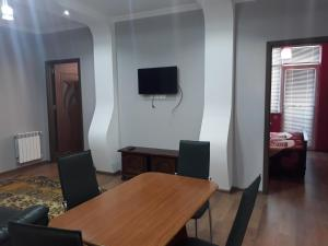 Apartament Pirosmani, Apartmanok  Batumi - big - 1
