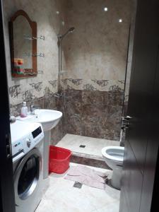 Apartament Pirosmani, Appartamenti  Batumi - big - 4