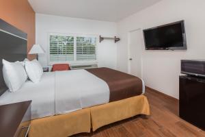 Номер с кроватью размера queen-size – Подходит для гостей с ограниченными физическими возможностями