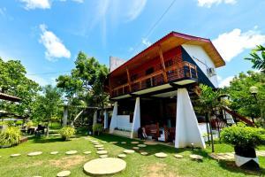 Eco Hotel Black and White - Anuradhapura