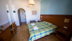 Hotel Navarone, Отели  Петрокорион - big - 10