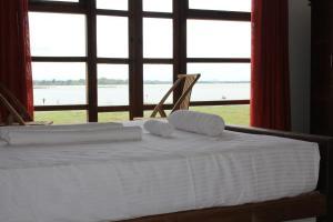 Yoho Alaia Resort Arugambay