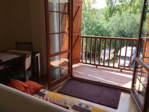 Apartamento La Pobleta, Apartmány  La Pobleta de Bellvei - big - 3