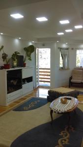 Guest house Beni, Penziony  Sarajevo - big - 35