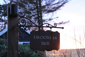 B&B Droom 44, Bed & Breakfasts  Buinerveen - big - 10