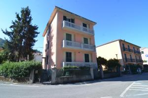 Levanto Rentals, Apartments  Levanto - big - 40