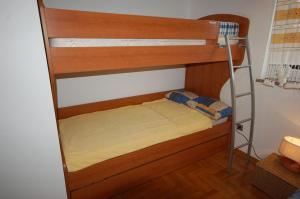 Apartments Tonzi, Ferienwohnungen  Malinska - big - 10