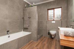 Dobbeltrom med eget bad utenfor rommet