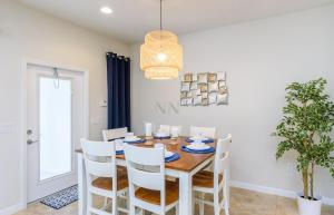 Four Bedroom Vacation Townhouse 19md86 Windsor at Westside, Nyaralók  Kissimmee - big - 28