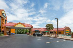 Days Inn and Suites Bristol