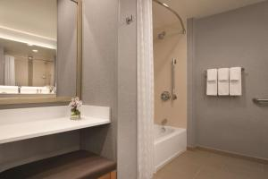 Queen Studio with Two Queen Beds - High Floor