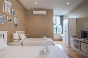 Feung Nakorn Balcony Rooms and Cafe, Hotels  Bangkok - big - 11