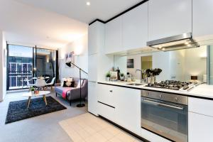 COMPLETE HOST St Kilda Rd Apartments, Апартаменты  Мельбурн - big - 8