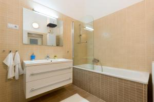 Cozy In The City Center, Apartments  Budapest - big - 8