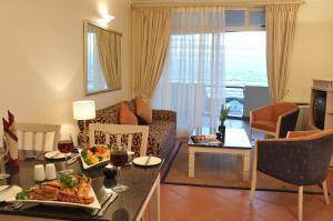 Suite mit 2 Schlafzimmern und Meerblick (4 Erwachsene)