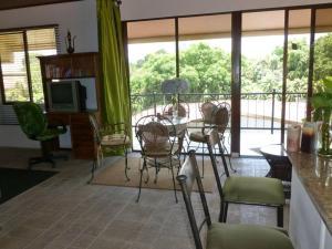 Nirvana Apartments, Aparthotels  Alajuela - big - 16