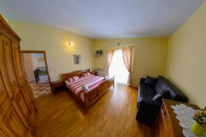 Cozy Comfortable House For Holiday, Nyaralók  Donji Proložac - big - 13