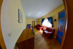 Cozy Comfortable House For Holiday, Nyaralók  Donji Proložac - big - 22