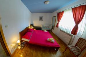 Cozy Comfortable House For Holiday, Nyaralók  Donji Proložac - big - 38