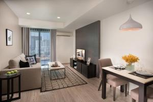Premier One-Bedroom Apartment