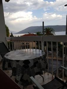 Apartment Mimi, Apartmány  Herceg-Novi - big - 11