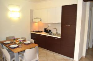 Tropical Resort, Apartmanok  Santa Maria - big - 5