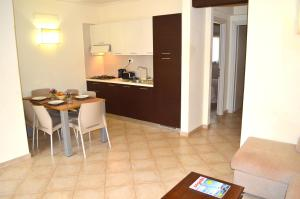 Tropical Resort, Apartmanok  Santa Maria - big - 4