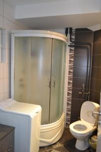 Modern and central apartment, Apartmány  Skopje - big - 7