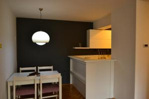 Modern and central apartment, Apartmány  Skopje - big - 9
