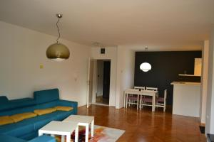 Modern and central apartment, Apartmány  Skopje - big - 11