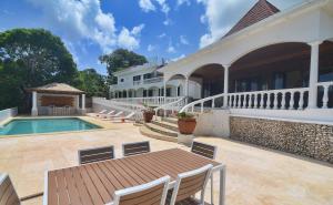 Heaven Villa