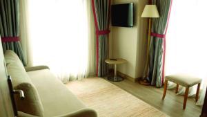 Dab Hotel, Szállodák  Esenyurt - big - 16