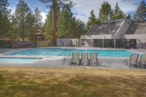 Mt Bachelor Village Ski House # 219, Holiday homes  Bend - big - 5