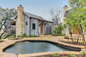 Blacksmith Quarters on Barons Creek, Apartmanok  Fredericksburg - big - 21