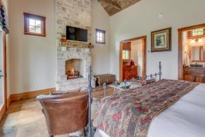 Blacksmith Quarters on Barons Creek, Apartmanok  Fredericksburg - big - 109