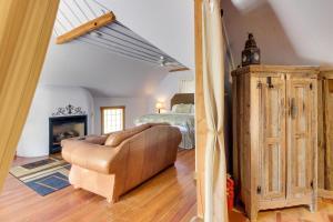 Wine Country Farmhouse, Apartmány  Fredericksburg - big - 63