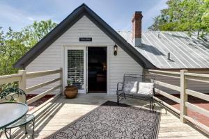 Wine Country Farmhouse, Apartmány  Fredericksburg - big - 55