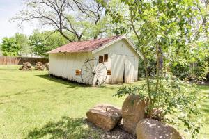 Wine Country Farmhouse, Apartmány  Fredericksburg - big - 4