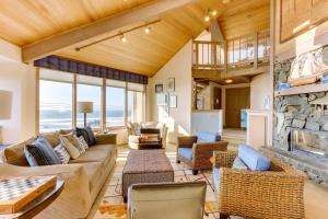 Haystack Views Vacation Rental, Holiday homes  Cannon Beach - big - 1